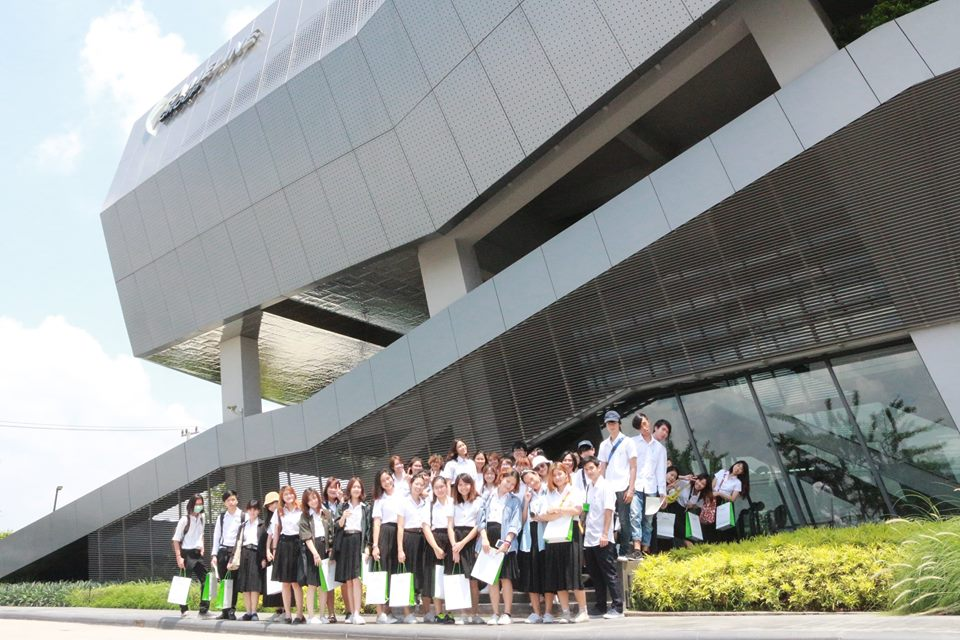 Office AT lecture about Fameline office for Kasetsart university architecture student on 23 march 2017